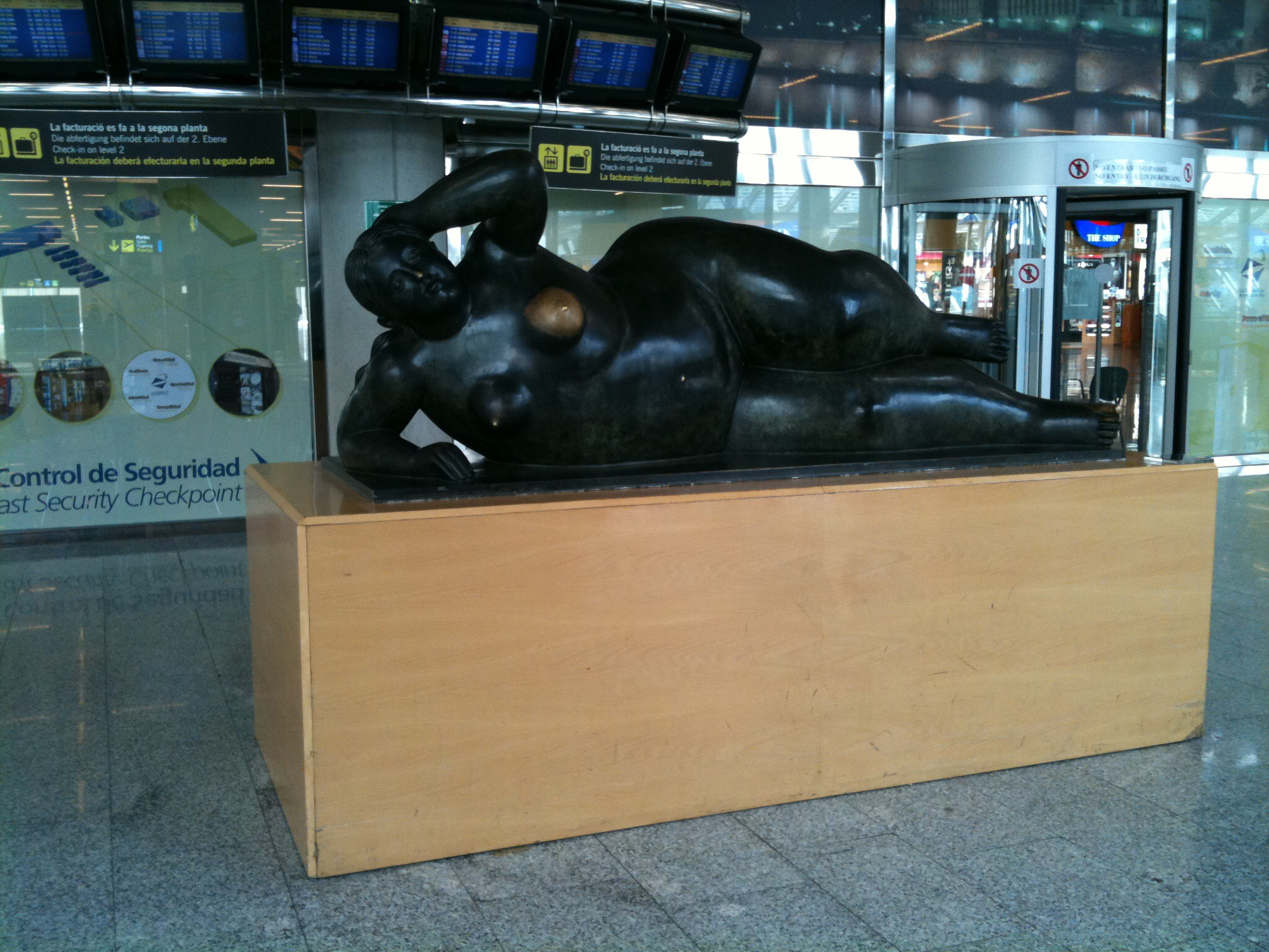Statue auf dem Flughafen in Palma de Mallorca