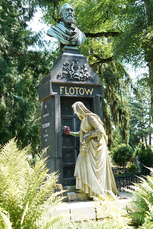 Historisches Grabmal auf dem Alten Friedhof in Darmstadt